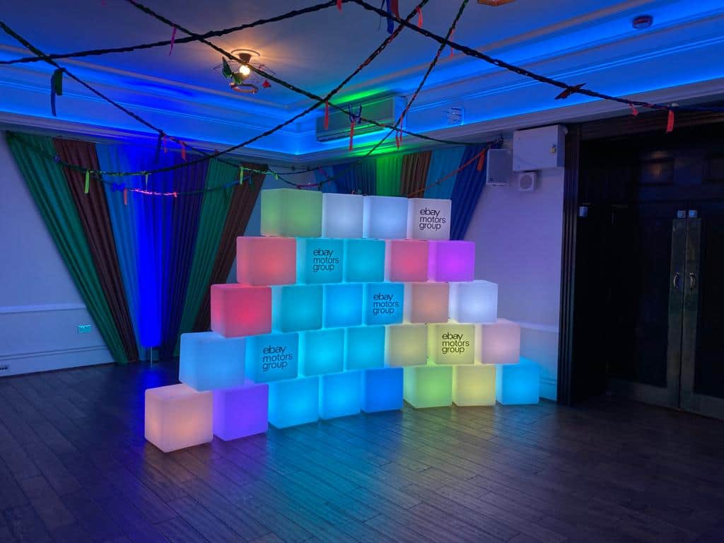 LED Controllable Cubes
